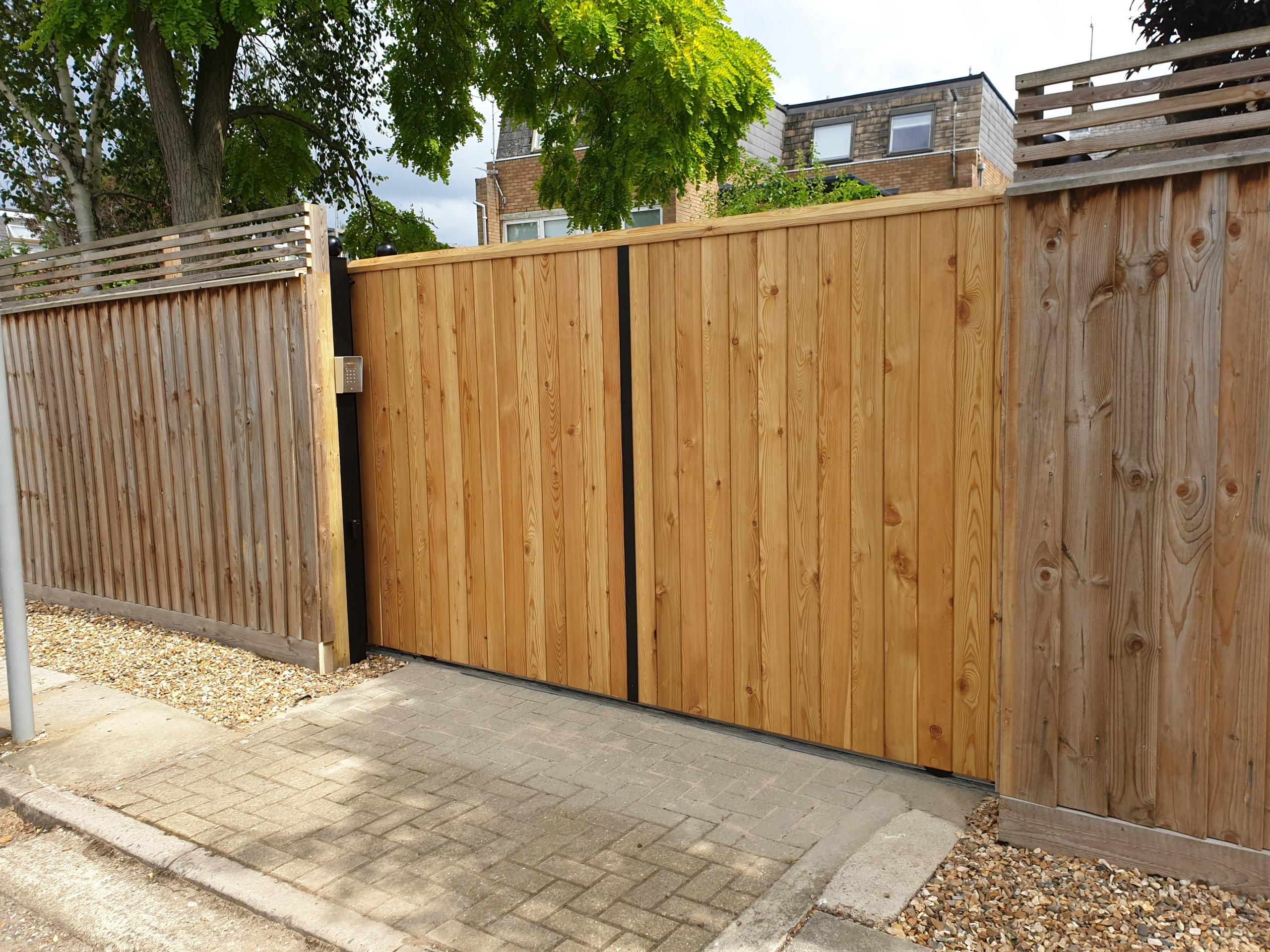 Littlebury Design Sliding Gate Cambridge