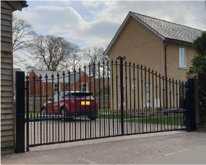 saffron arched automatic gates sawston