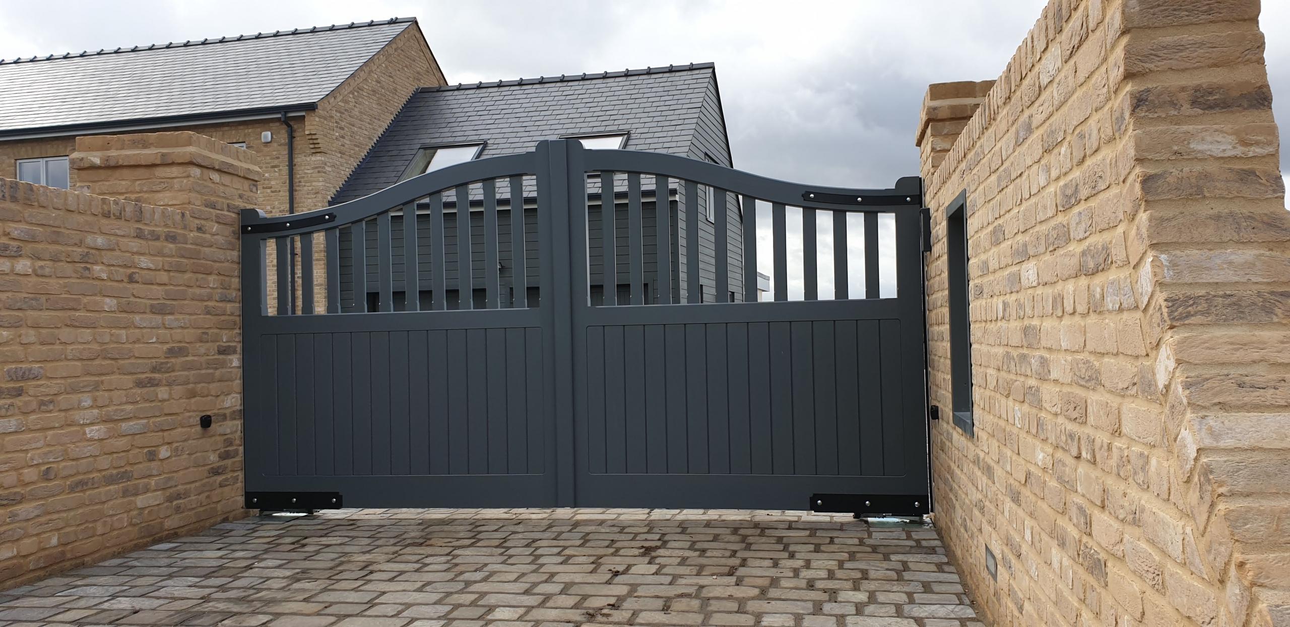 Newmarket Design Automatic Gates - Willingham
